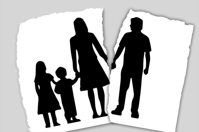 夫婦仲の悪い毒親